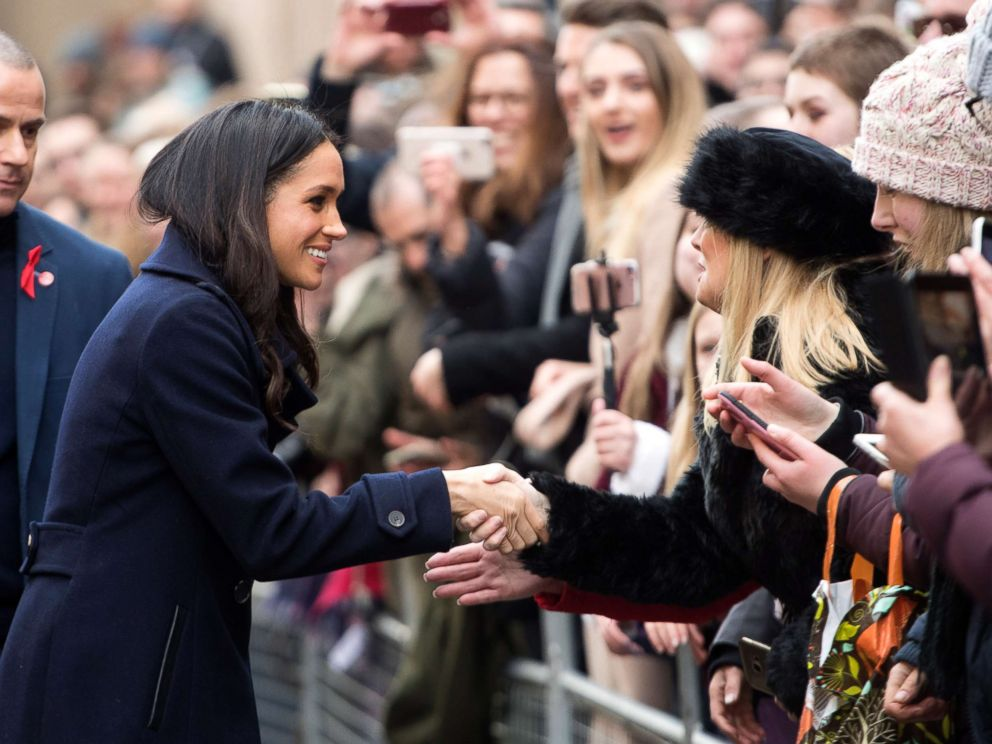 PHOTO: Meghan Markle interacts with the crowd as she and Prince Harry visit Nottingham Comtempory in Nottingham, England, Dec. 1, 2017.