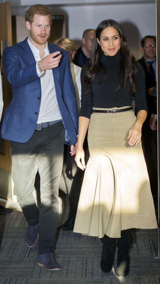 PHOTO: Prince Harry and his fiancee US actress Meghan Markle visit Nottingham Academy on December 1, 2017 in Nottingham, England.