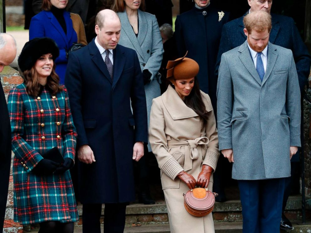 PHOTO: Actress and fiancee of Prince Harry Meghan Markle and Britains Catherine, Duchess of Cambridge, curtsy, and Prince William, Duke of Cambridge and Prince Harry bow to Queen Elizabeth II in Sandringham, Norfolk, eastern England, Dec. 25, 2017.