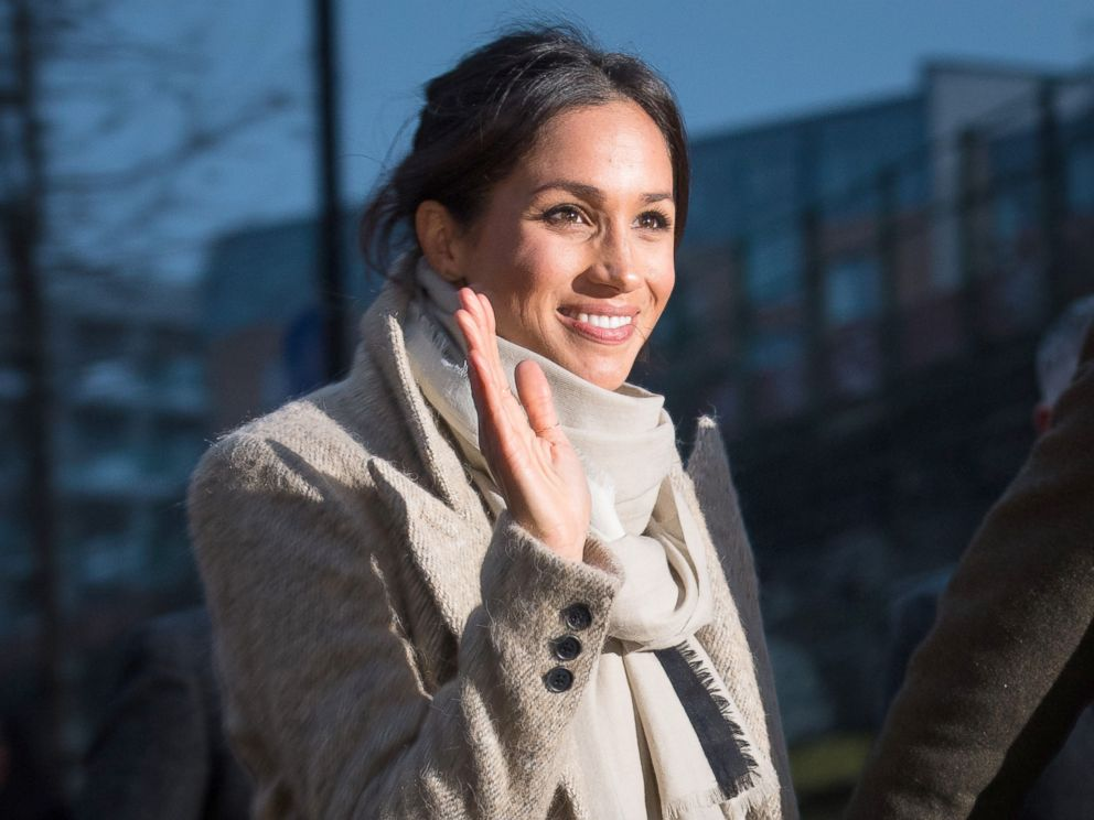 PHOTO: Meghan Markle waves to the crowd after a visit to Reprezent 107.3FM in Pop Brixton, Jan. 9, 2018, in London.