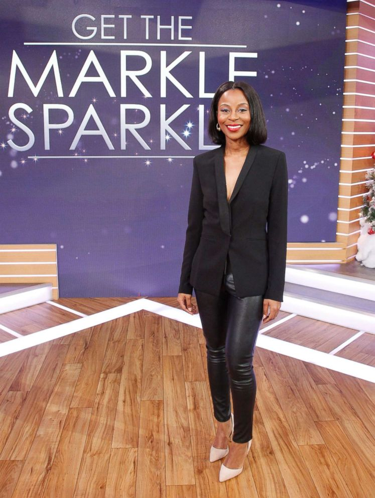PHOTO: A model appears in an outfit similar to Meghan Markles look while promoting Suits in 2016.