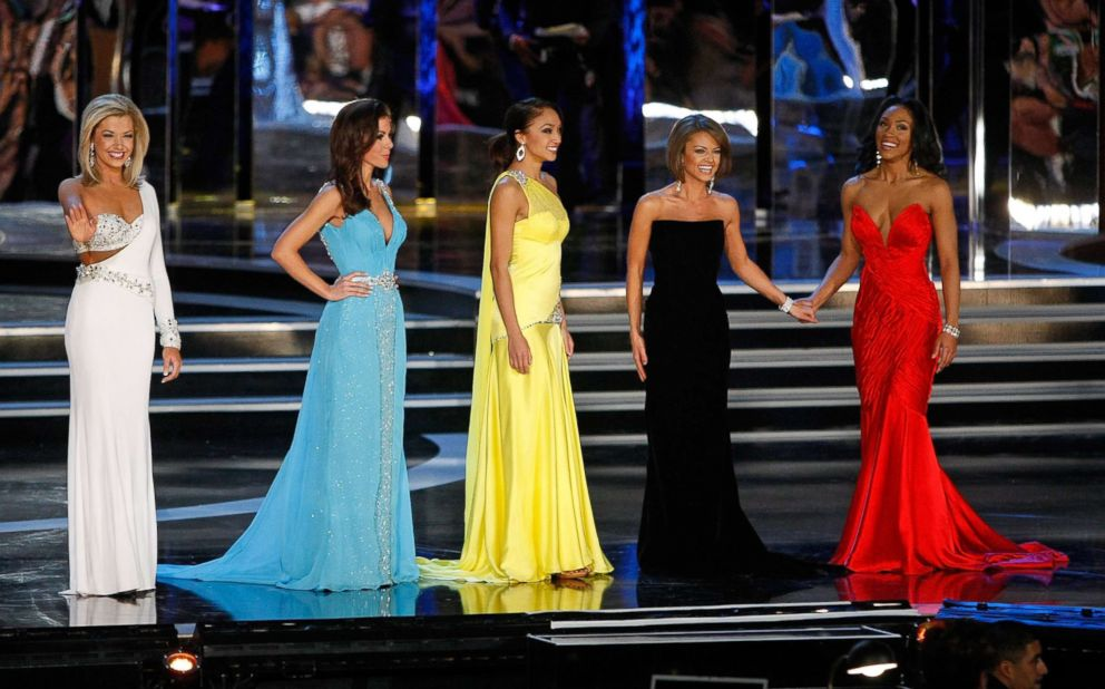 Ashlee Baracy, Miss Michigan, Ellen Carrington, Miss Tennessee, Nicole Fox, Miss Hawaii, Jackie Geist, Miss California, and Chasity Hardman, Miss Georgia, compete in the gown competition during the 2009 Miss America Pageant, Jan. 24, 2009, in Las Vegas.