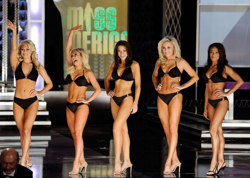 PHOTO: Stefanie Wittler, Miss Tennessee, Mallory Ervin, Miss Kentucky, Sarah Slocum, Miss Arkansas, Taylor Treat, Miss Oklahoma, and CC Barber, Miss Oregon, wait to see who will advance after competing in the swimsuit competition, Jan. 30, 2010.