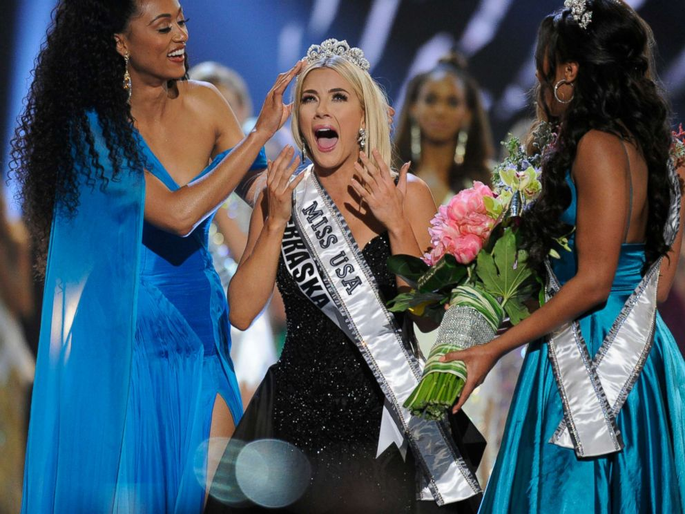 PHOTO: Miss Nebraska, Sarah Rose Summers, center, is named MISS USA at the 2018 MISS USA Competition airing on May 21 on Fox.
