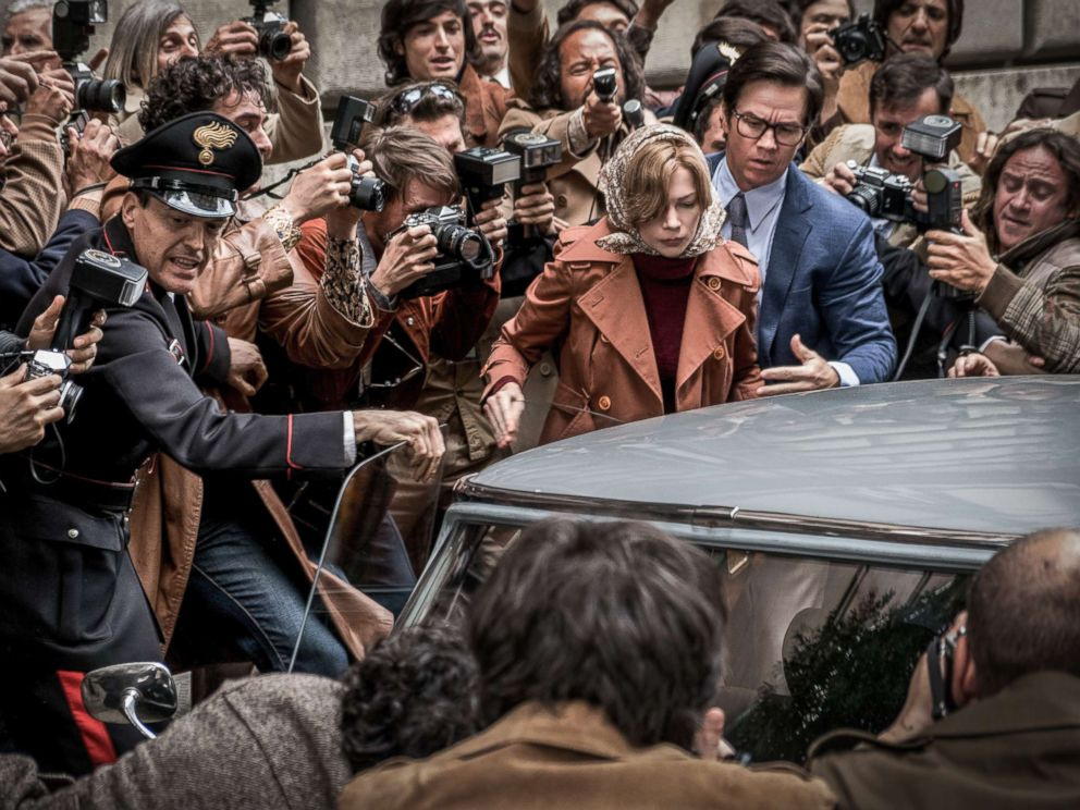 PHOTO: Michelle Williams and Mark Wahlberg star in All the Money in the World.