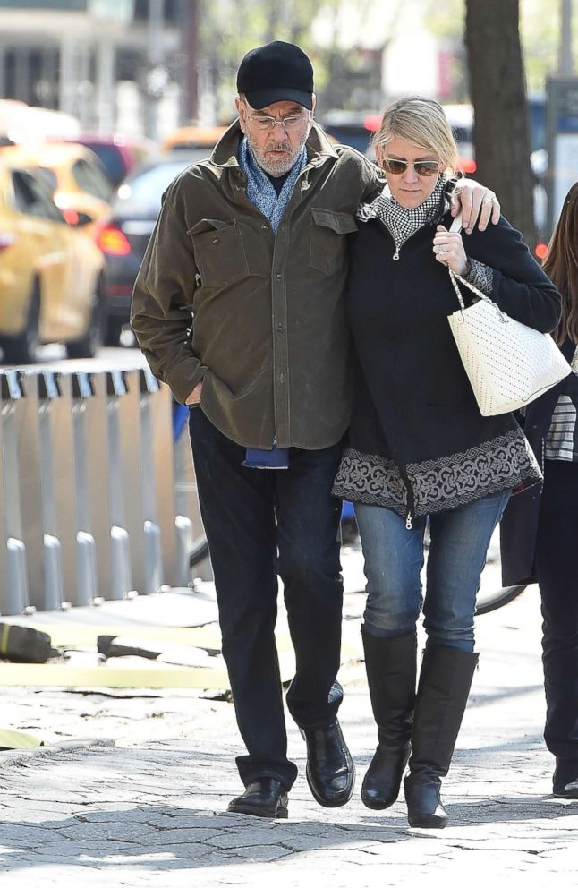 PHOTO: Neil Diamond with his wife Katie McNeil stroll in Central Park, New York City, April 11, 2016.