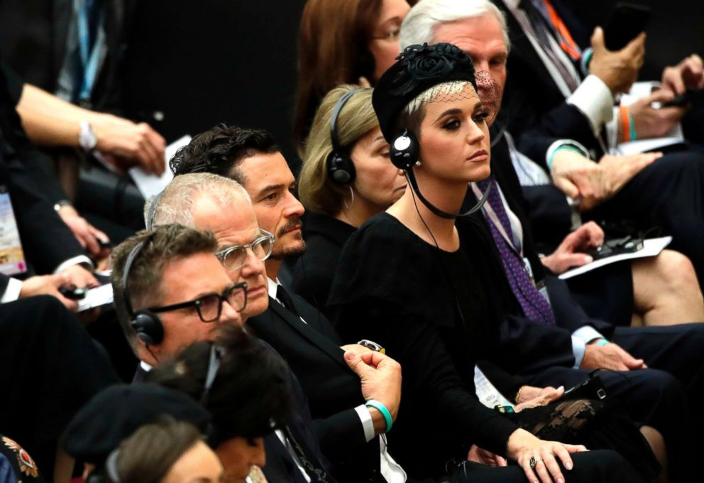 PHOTO: Orlando Bloom, center, Katy Perry attend an audience by Pope Francis for the participants in the United to Cure international conference on the cure for cancer in the Paul VI hall, at the Vatican, April 28, 2018.