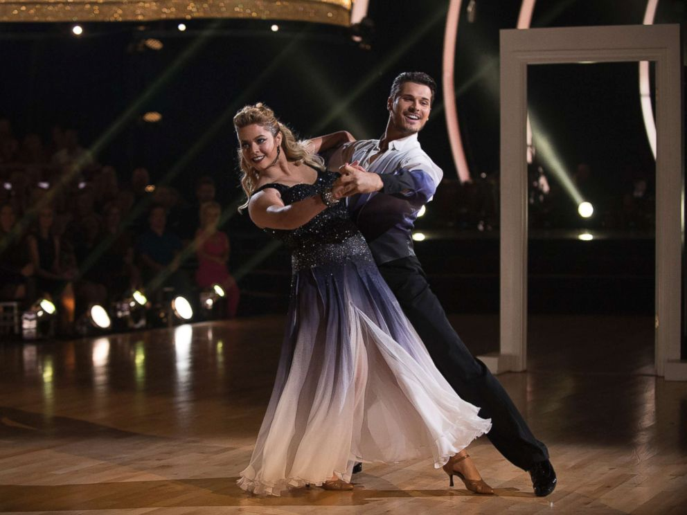 PHOTO: Sasha Pieterse and Gleb Savchenko in Episode 2504 of Dancing with the Stars, Oct. 9, 2017, on The ABC Television Network.