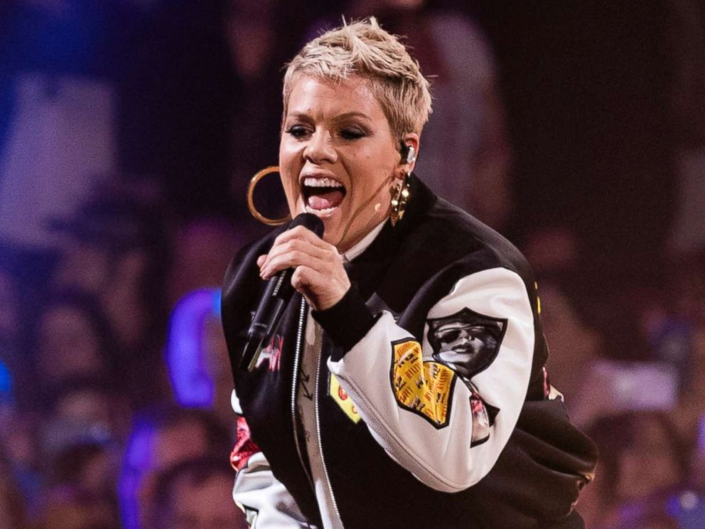Kelly Clarkson gives Pink advice for Super Bowl national anthem ...