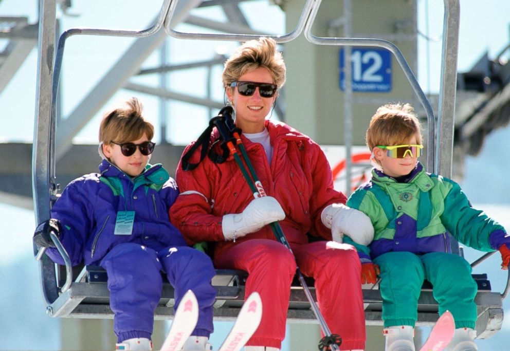 PHOTO: Princess Diana With Princes William and Harry skiing in Lech, Austria, April 10, 1991.