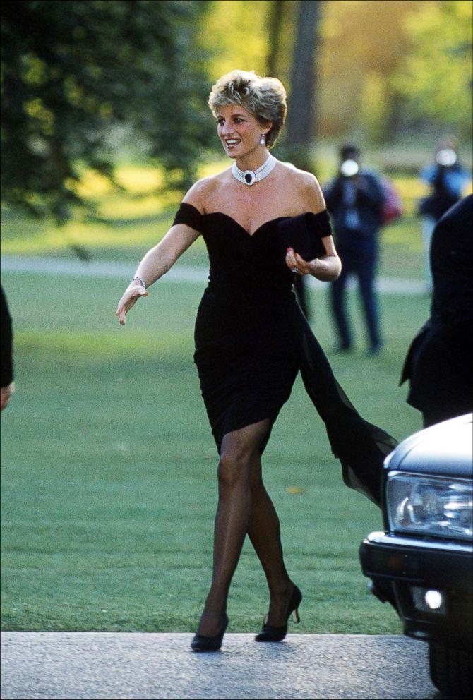 PHOTO: Princess Diana arrives at the Serpentine Gallery, in a gown by Christina Stambolian, in London, June 1994.