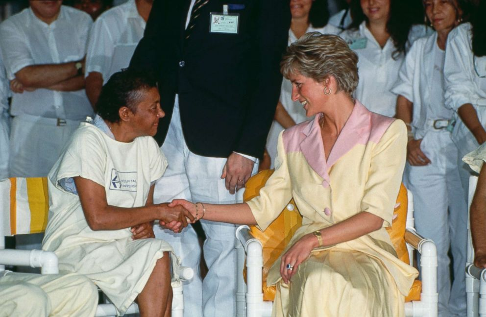 PHOTO: Princess Diana visits patients suffering from AIDS at the Hospital Universidade in Rio de Janeiro, Brazil, April 25, 1991.