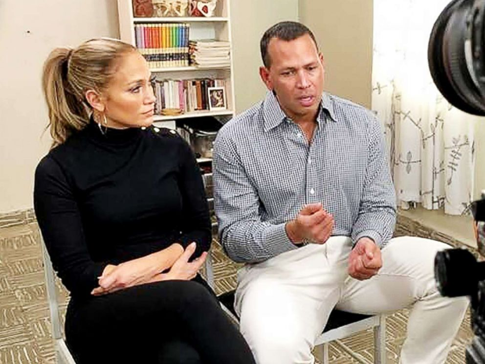 PHOTO: Jennifer Lopez and Alex Rodriguez discuss recovery efforts in Puerto Rico after Hurricane Maria.