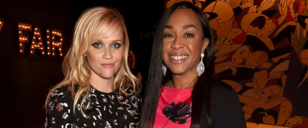 PHOTO: Reese Witherspoon (L) and producer Shonda Rhimes attend the 2017 Vanity Fair Oscar Party hosted by Graydon Carter at Wallis Annenberg Center for the Performing Arts, Feb. 26, 2017 in Beverly Hills, Calif.