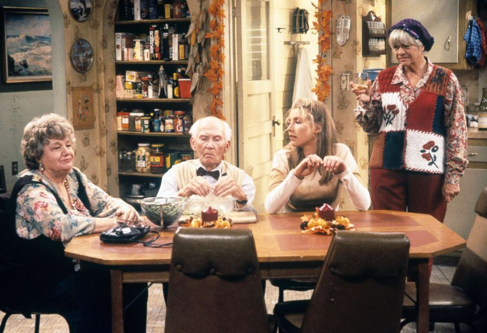 PHOTO: Shelley Winters (Nana), Frank Smith (Joe), Sarah Chalke (Becky) and Estelle Parsons (Beverly) on the ABC Television Network comedy Roseanne, during the Thanksgiving 1994 episode, Nov. 23, 1994.