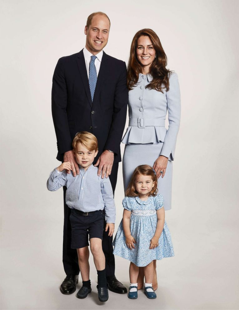 A Princess For Christmas Poster.Prince William And Princess Kate Share Adorable Family
