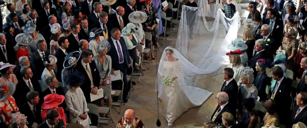 PHOTO: Meghan Markle walks down the aisle as she arrives for the wedding ceremony to Prince Harry at St. Georges Chapel in Windsor Castle in Windsor, May 19, 2018.