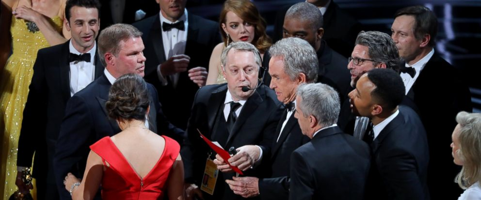 "PHOTO: Warren Beatty holds the card for the Best Picture Oscar awarded to ""Moonlight,"" after announcing by mistake that ""La La Land"" was winner, Feb.26, 2017, in Hollywood, Calif."