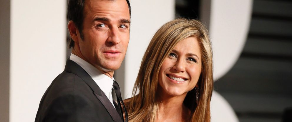 PHOTO: Jennifer Aniston and Justin Theroux arrive at the 2015 Vanity Fair Oscar Party in Beverly Hills, Calif., Feb. 22, 2015.
