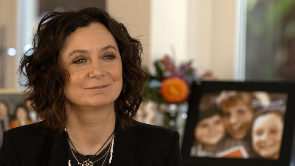 "PHOTO: Sara Gilbert played Darlene Conner on ""Roseanne."""