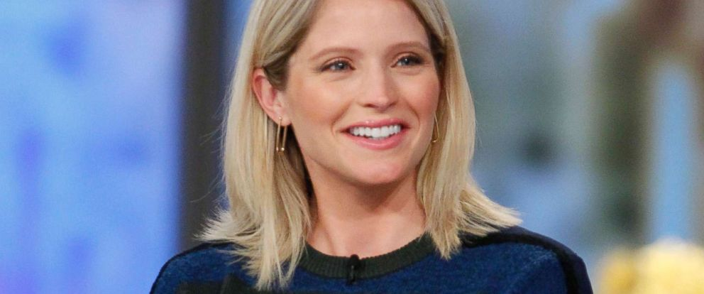 "PHOTO: Sara Haines co-hosts on ABCs ""The View,"" Sept. 28, 2017."