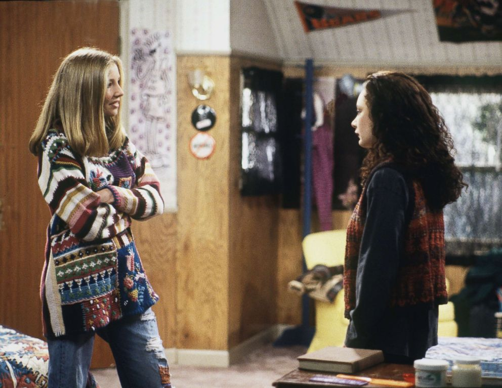 'Roseanne' Reboot: Sarah Chalke's Becky-Centric Role Finally Revealed