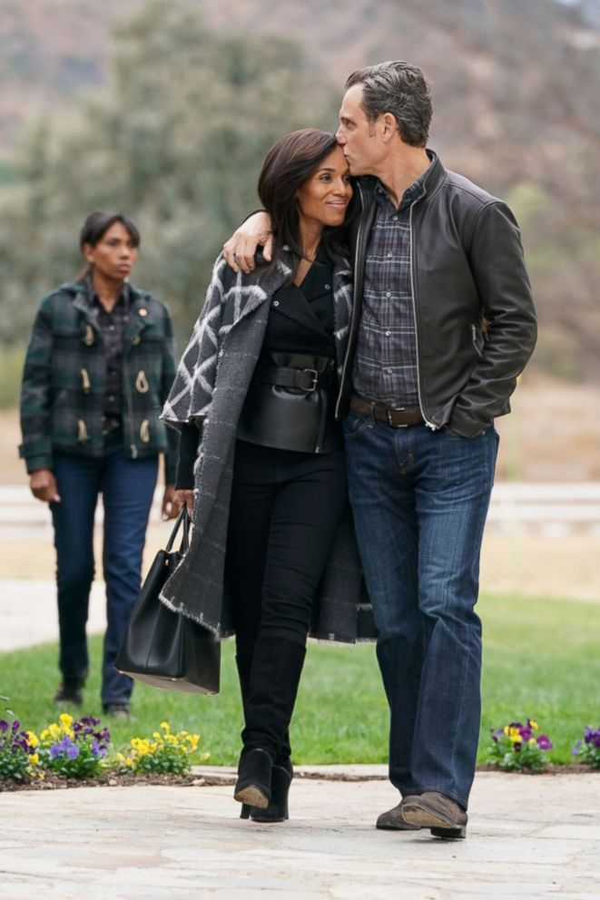 PHOTO: Kerry Washington and Tony Goldwyn in a scene from Scandal.