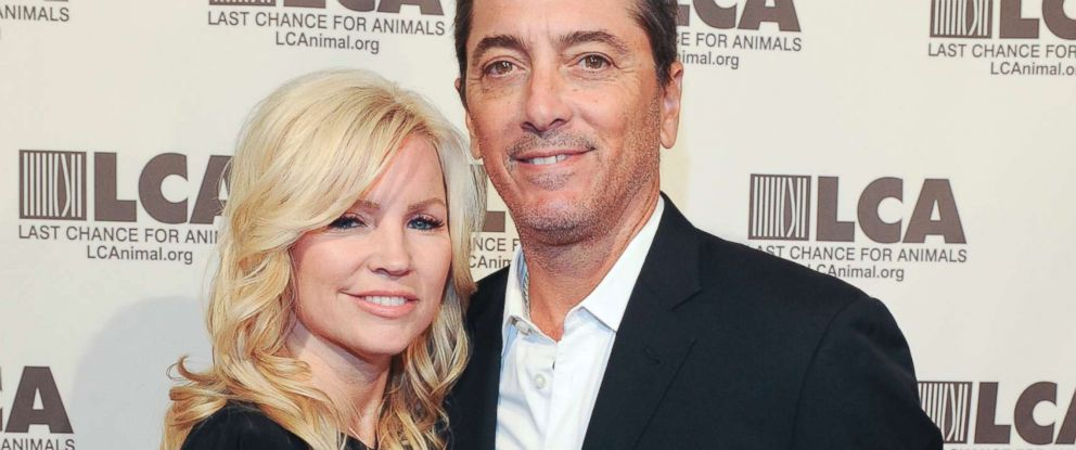 PHOTO: Renee Sloan and Scott Baio attend the Last Chance For Animals 33rd Annual Celebrity Benefit Gala - Arrivals at The Beverly Hilton Hotel, Oct. 14, 2017 in Beverly Hills, Calif.