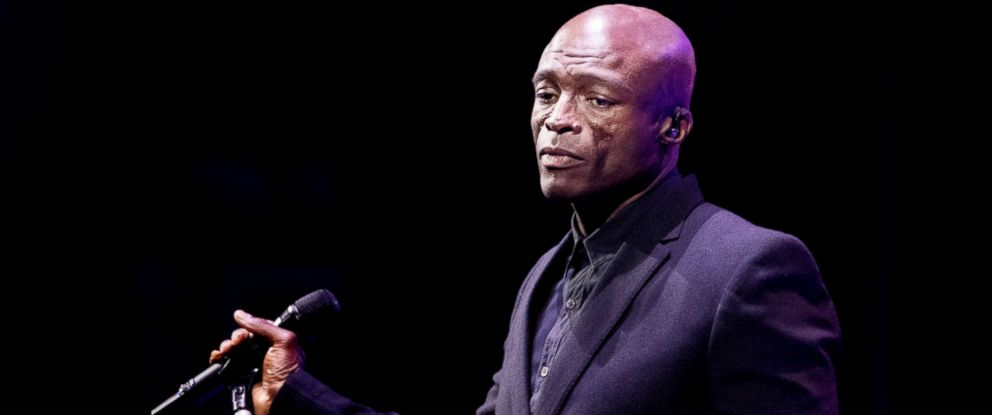 PHOTO: Seal performs on Feb. 10, 2018, in Edinburgh, Scotland.