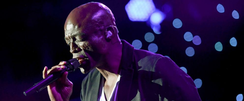 PHOTO: Seal performs at the FIDF Western Region Gala held at The Beverly Hilton Hotel, Nov. 2, 2017, in Beverly Hills, California.