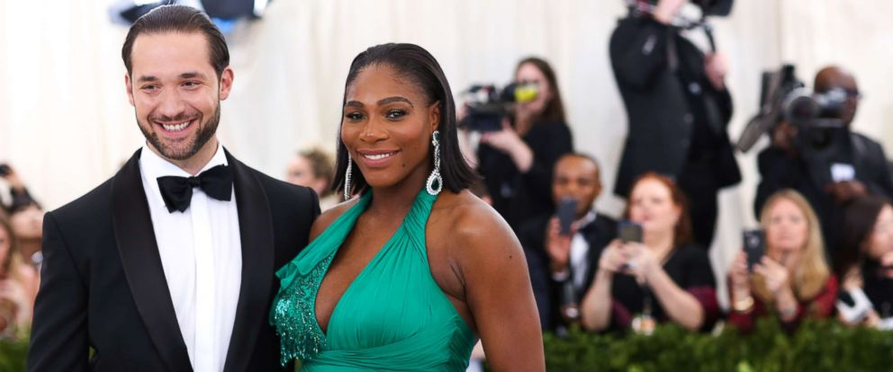 """PHOTO: Serena Williams and Alexis Ohanian attend The Metropolitan Museum of Arts Costume Institute Benefit celebrating the opening of """"Rei Kawakubo/Comme des Garcons: Art of the In-Between"""" in New York, May 1, 2017."""