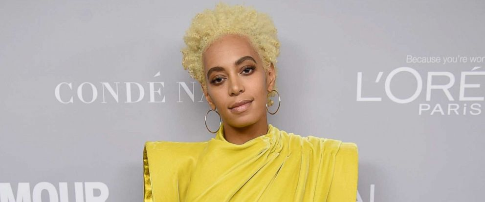 PHOTO: Solange poses backstage at Glamours 2017 Women of The Year Awards at Kings Theater, Nov. 13, 2017 in Brooklyn, New York.
