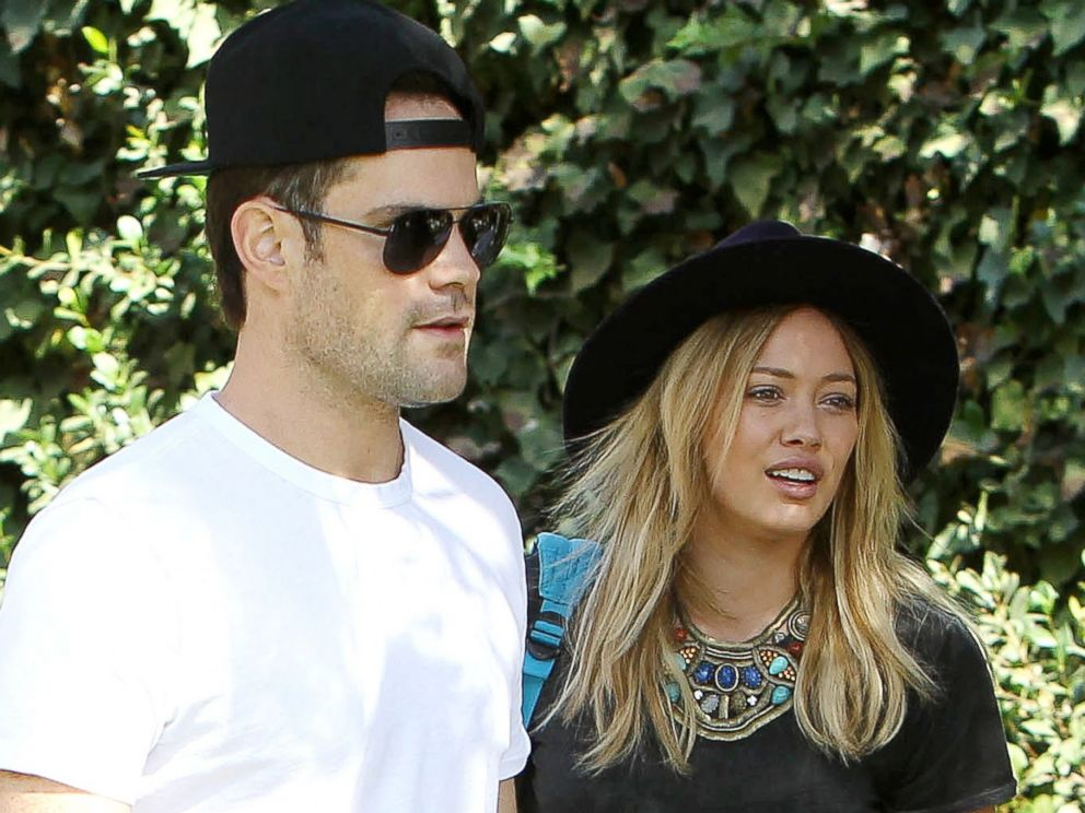 PHOTO: Hilary Duff and Mike Comrie are seen in Beverly Hills, Calif. on Oct. 19, 2014.