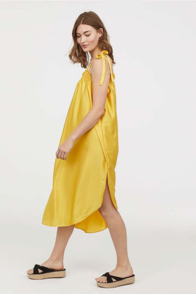 PHOTO: The color of the summer now arrives in the easiest warm weather silhouette.