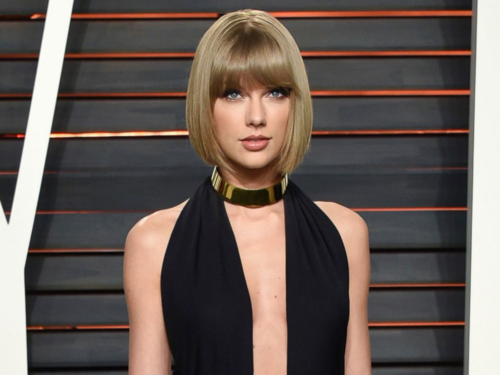 PHOTO: Taylor Swift attends the Vanity Fair Fair Oscar Party in Beverly Hills, Calif. Feb. 28, 2016.