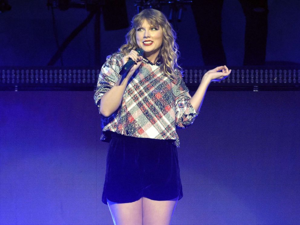 PHOTO: Taylor Swift performs during 99.7 NOW! POPTOPIA at SAP Center, Dec. 2, 2017, in San Jose, Calif.