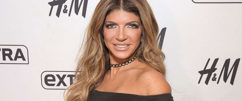 "PHOTO: Teresa Giudice visits ""Extra"" at H&M Times Square, Oct. 3, 2017 in New York City."