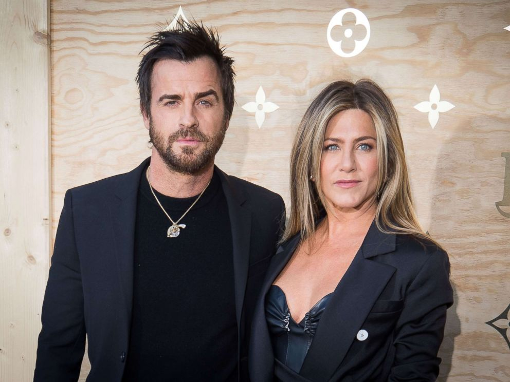 PHOTO: Justin Theroux and Jennifer Aniston attend the Louis Vuittons Dinner for the Launch of Bags by Artist Jeff Koons at Musee du Louvre, April 11, 2017, in Paris.
