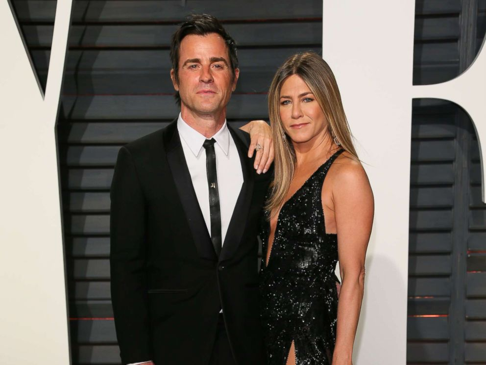 PHOTO: Justin Theroux and Jennifer Aniston attend the 2017 Vanity Fair Oscar Party hosted by Graydon Carter at Wallis Annenberg Center for the Performing Arts, Feb. 26, 2017, in Beverly Hills, Calif.
