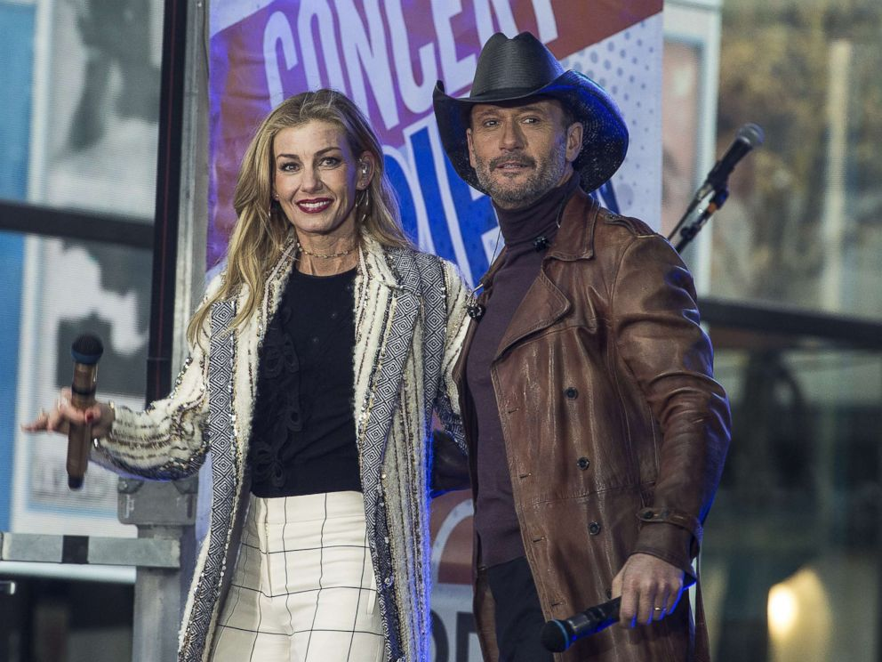 PHOTO: Faith Hill and Tim McGraw perform live at Rockefeller Plaza, Nov. 17, 2017, in New York City.