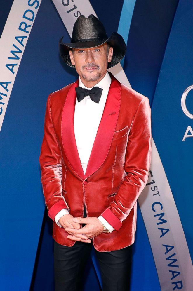 PHOTO: Tim McGraw attends the 51st annual CMA Awards at the Bridgestone Arena, Nov. 8, 2017, in Nashville, Tenn.