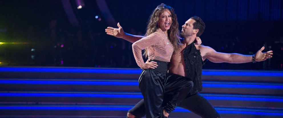 "PHOTO: Vanessa Lachey and pro dancer Maksim Chmerkovskiy compete on ""Dancing With The Stars."""