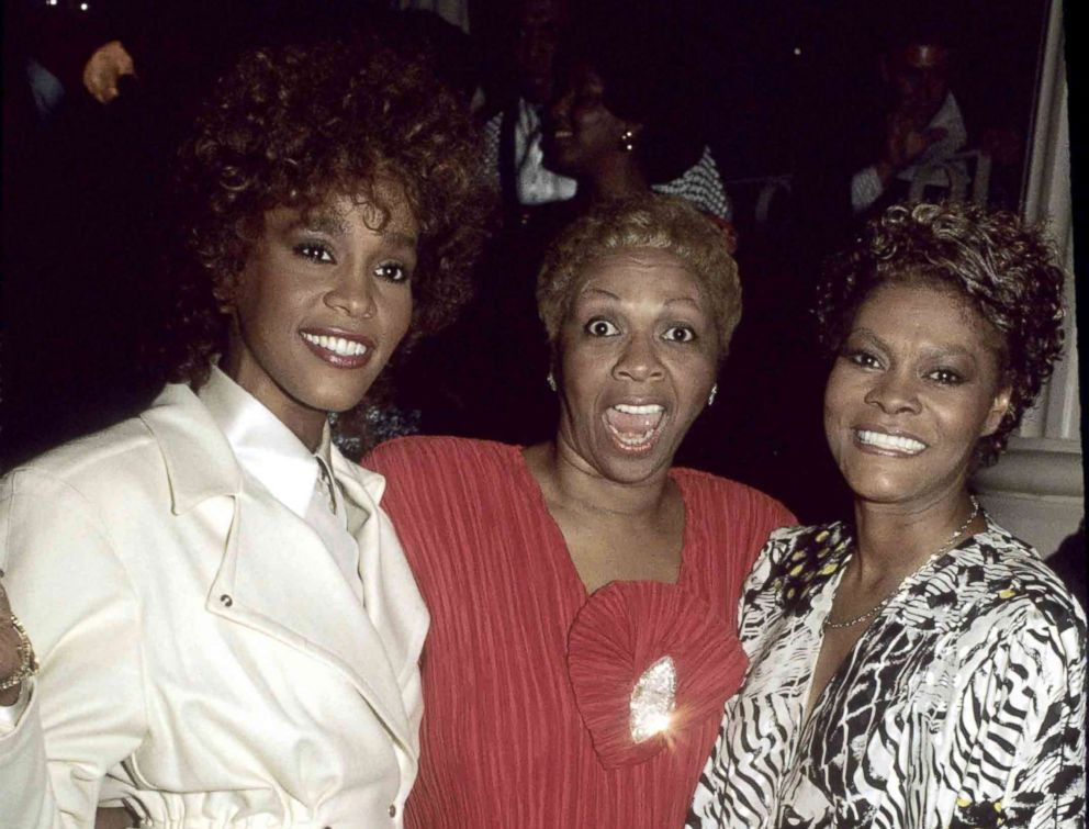 PHOTO: Whitney Houston, Cissy Houston and Dionne Warwick, Dec. 20, 1987.