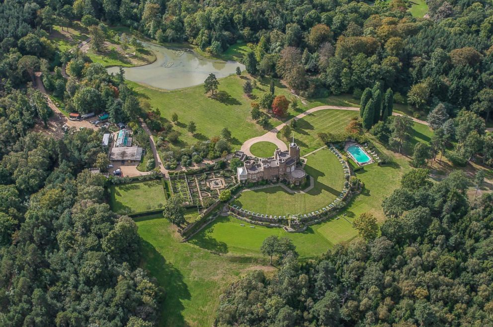 PHOTO: Aerial view of the Duke of Windsors Fort Belvedere in Windsor Great Park, England.