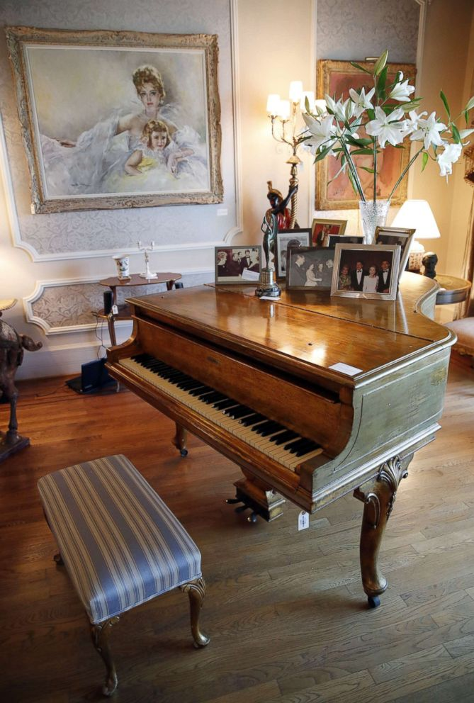 PHOTO: A Steinway Model M Grand Piano used in the movie Behind the Candelabra, which belonged to the late Hungarian-American actress Zsa Zsa Gabor, is displayed at the actress residence in Bel Air, Calif., April 12, 2018.