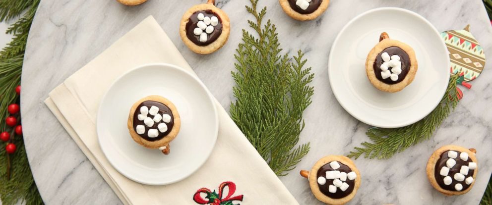 25 Days of Cookies: Hot chocolate cookie cups recipe