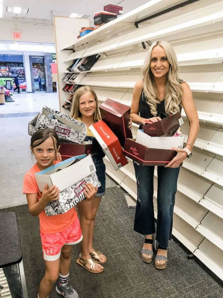 PHOTO: An Arkansas mom Carrie Jernigan bought out all the shoes at her local Payless store to give to those in need.