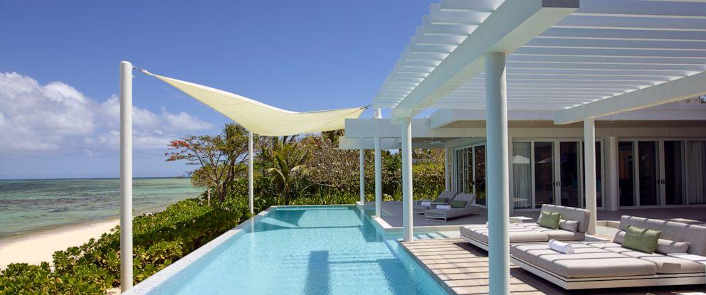PHOTO: Banwa Private Island villa pool.
