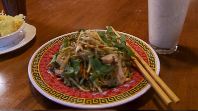 VIDEO: The celebrity chefs book details a new diet that can help you shed weight fast.