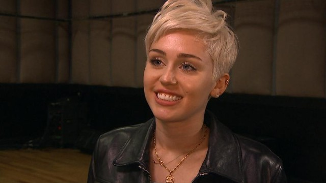 """VIDEO: The pop star reveals what fans can expect on her """"Bangerz"""" tour."""